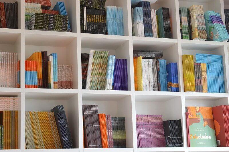 books bookcase organization library
