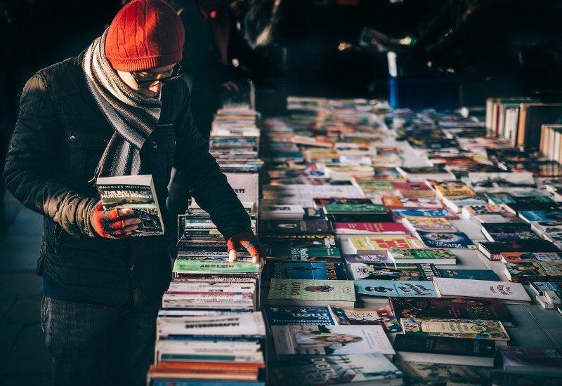 books store customer